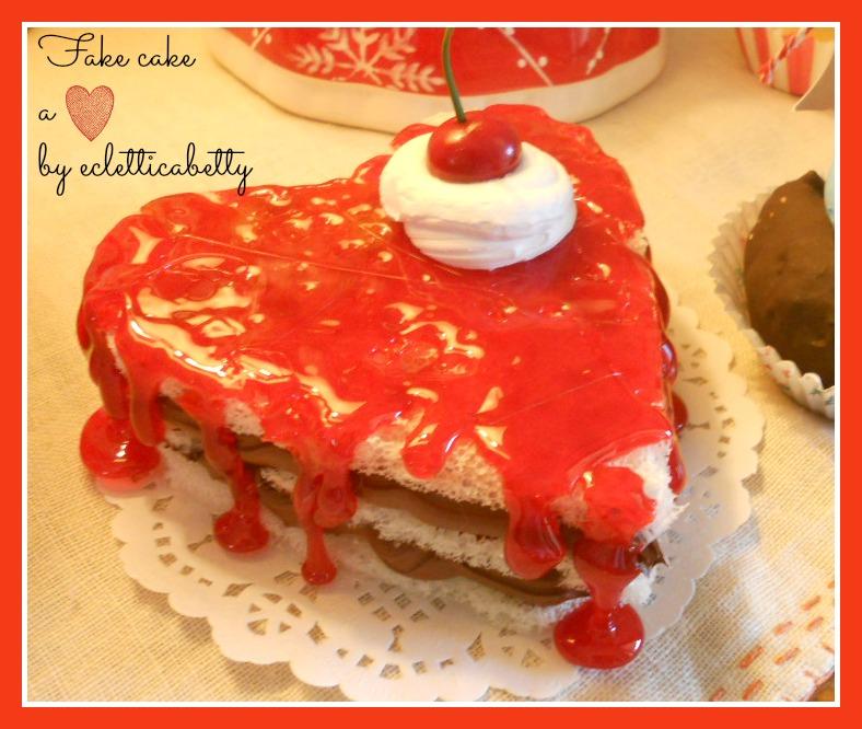 Fake cake a cuore