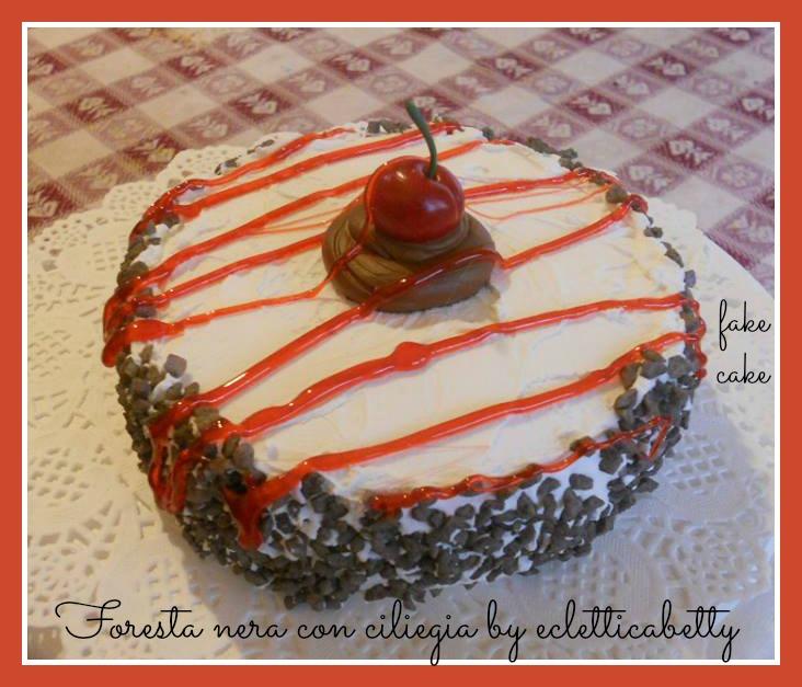 torta foresta nera con ciliegia