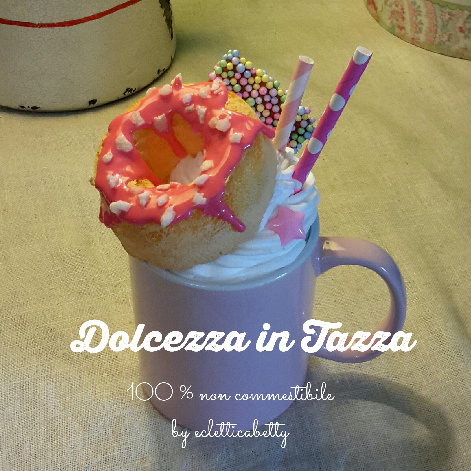 Delizia in tazza rosa
