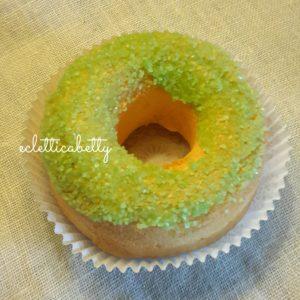 Donut con zucchero verde