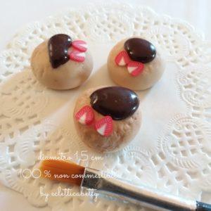 Bignè con cioccolato fuso e fragole 1,5 cm