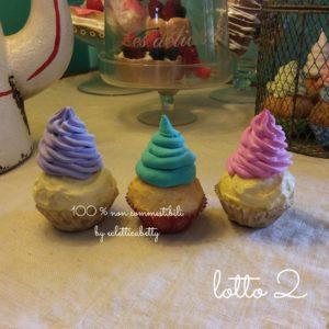 3 pezzi Cupcakes con panna combo 2
