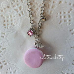 Collana con macaron rosa