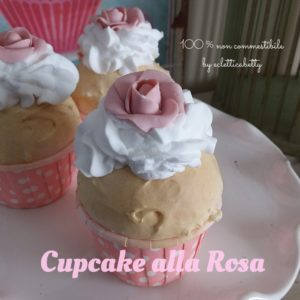 Cupcake con Rosa e pirottino rigido