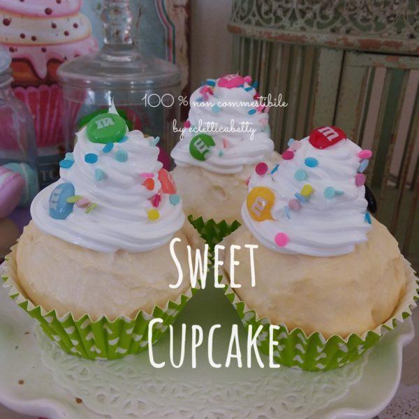 Cupcake con confettini e coriandoli di zucchero