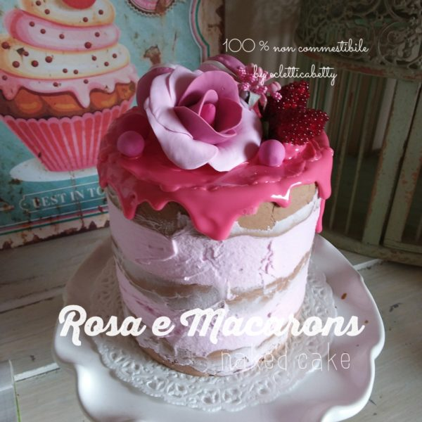 Rosa e Macarons naked cake