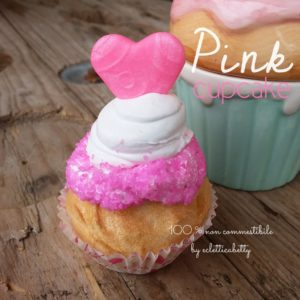 Cupcake piccolo con cuore Pink