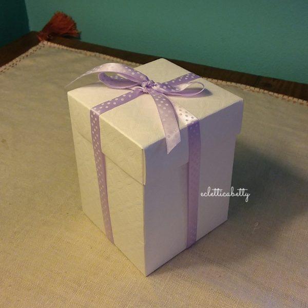 Scatola in cartoncino bianco 9 x 9 cm x h 12 cm