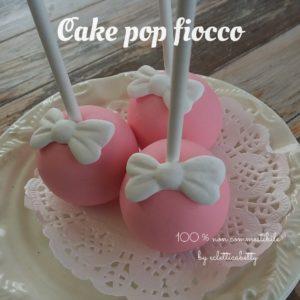Cake pop rosa fiocco
