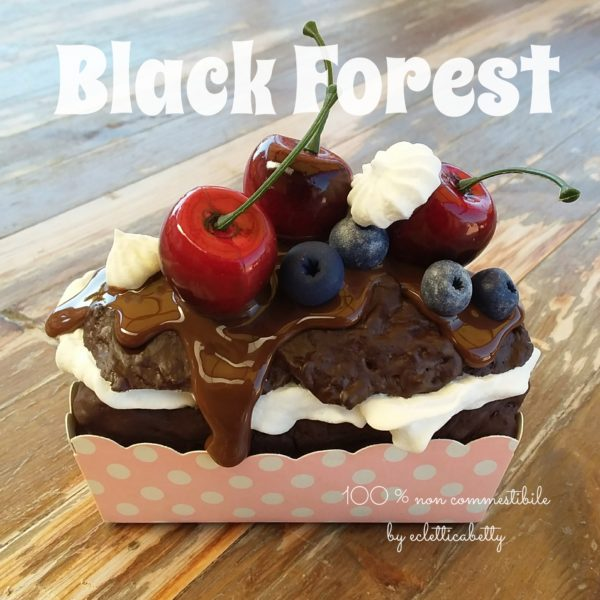 Black Forest 11 x 7 cm