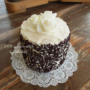 Torta crema di burro e rose di zucchero 10 cm