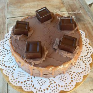 Torta con cioccolatini 15 cm