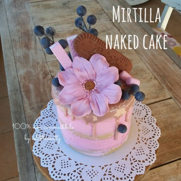 Mirtilla naked cake