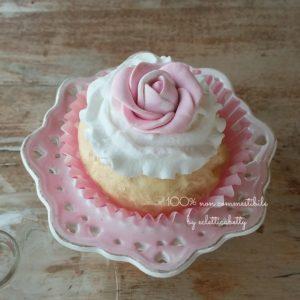 Cupcake shabby con rosa