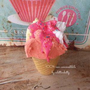 Bicchierino gelato trigusto con glassa alla fragola