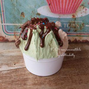 Coppetta gelato trigusto con glassa cioccolato b