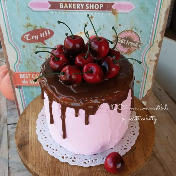 Cherry cake 12 cm