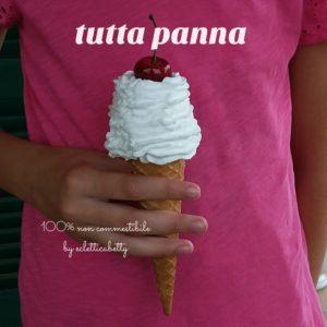 Cono gelato tutta panna e ciliegia