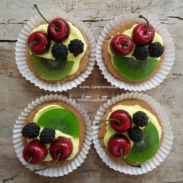 Crostatina ciliegie, more e kiwi