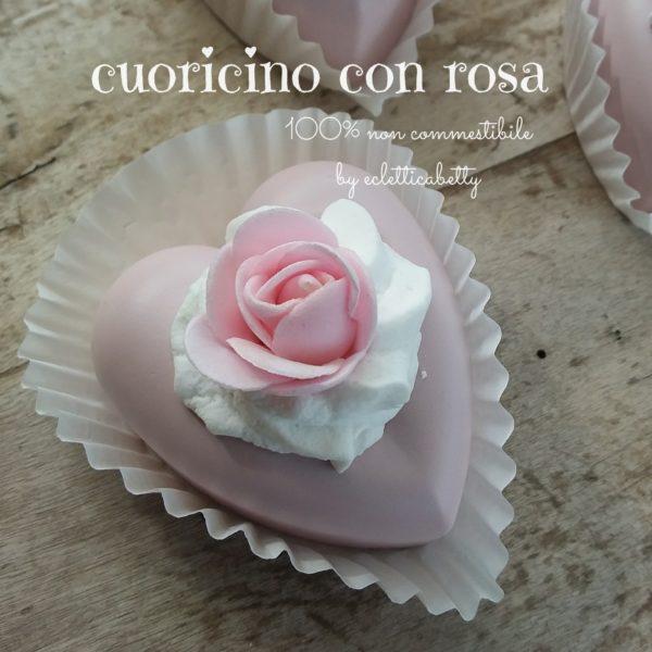 Cuoricino con rosa