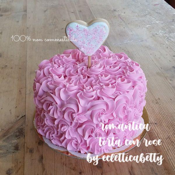 Torta di rose romantica 17 cm