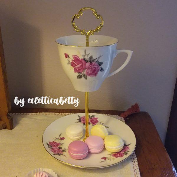 Alzatina tazza e piatto con rose