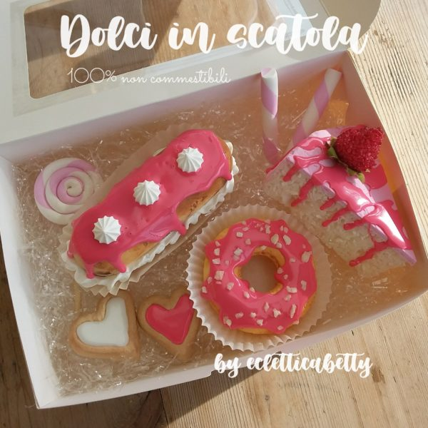 Dolci in scatola composizione Pink