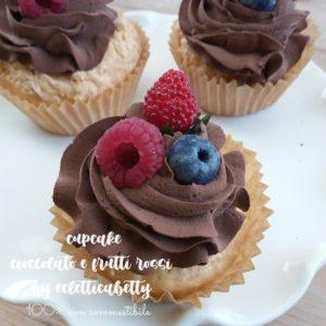 Cupcake cioccolato e frutti rossi