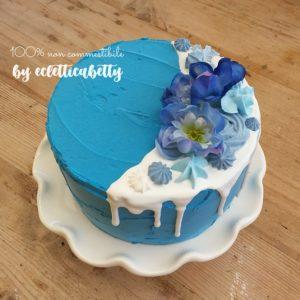 Torta Blu fiori e meringhe 15 cm