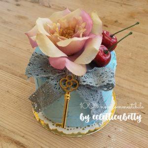 Torta azzurra Wonderland 10 cm