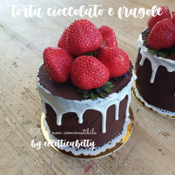 Torta cioccolato e fragole 10 cm